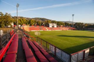Pécsi stadion (Array)
