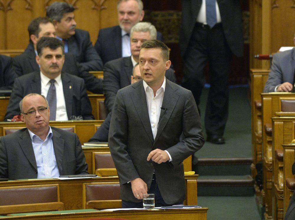 Rogan-Antal-a-Parlamentben(960x640).jpg (Array)