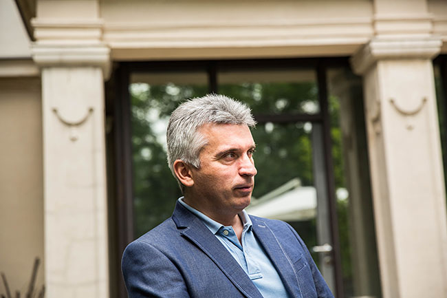 Simon Ernő (Array)