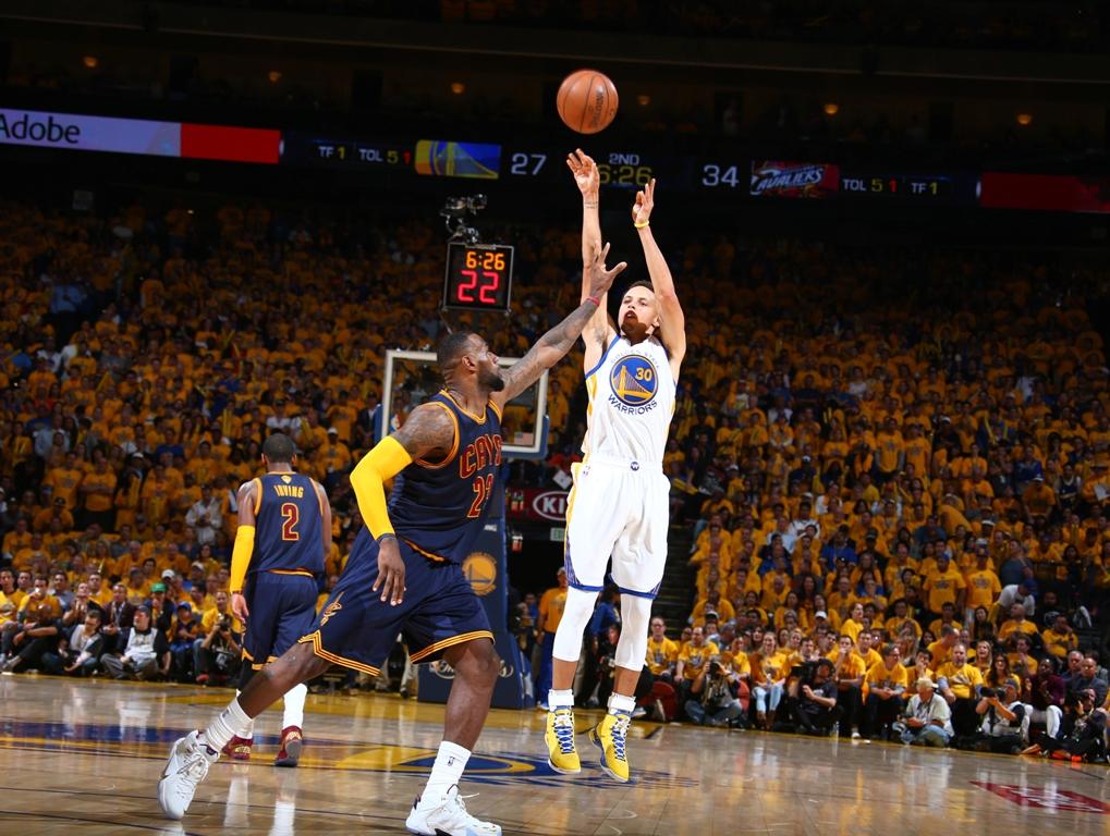 Stephen Curry, LeBron James (Array)