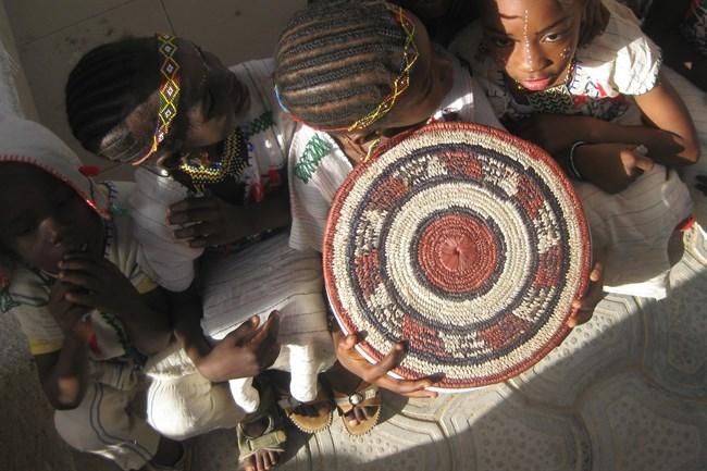 afrikai-gyerek(5a4a36e1-01d8-4159-a582-a7bcf72f71ac)(650x433).jpg (Array)