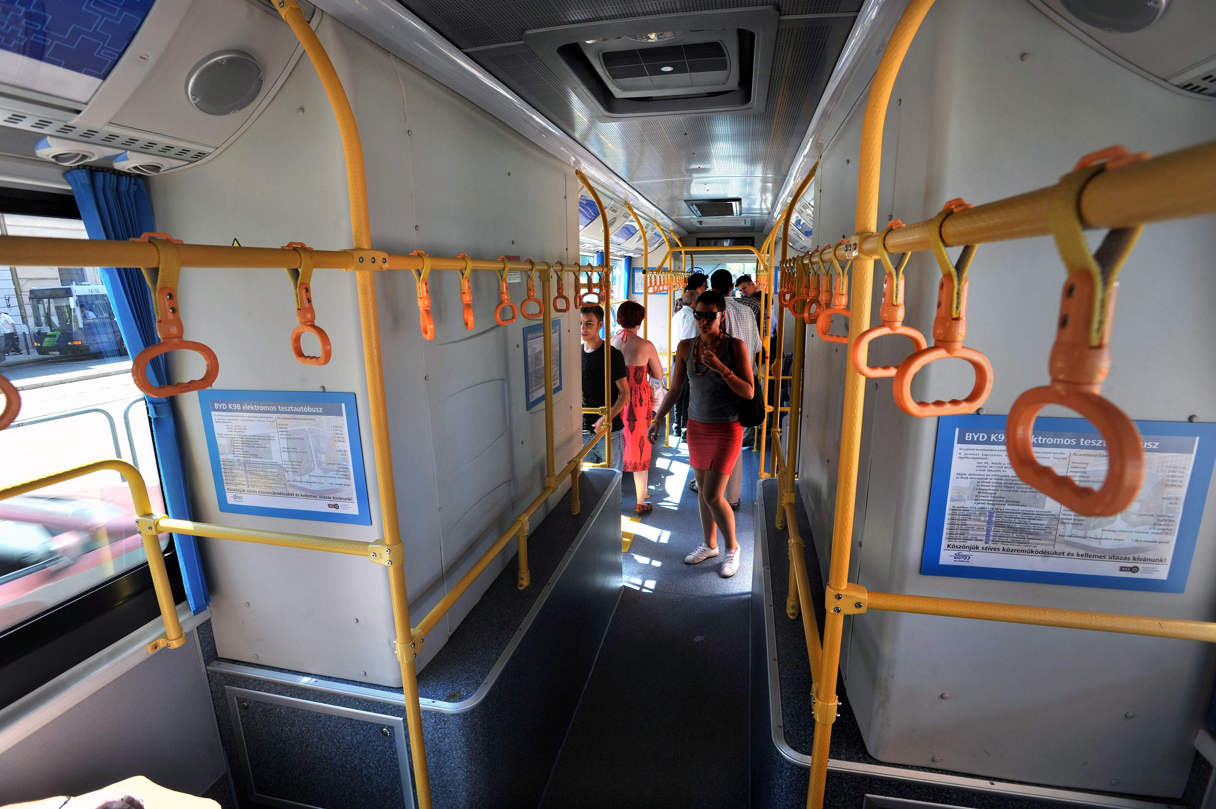 autóbusz, budapest, közlekesé, bkv (Array)
