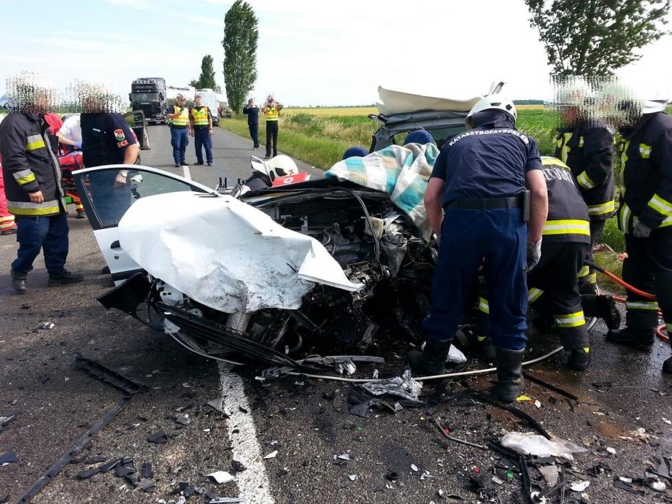 baleset jutánál (Array)