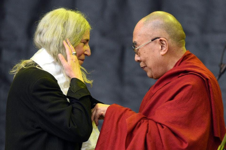 dalai láma, patti smith (Array)