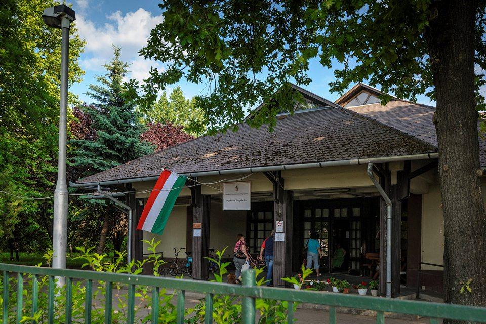 debreceni terápiás ház (Array)