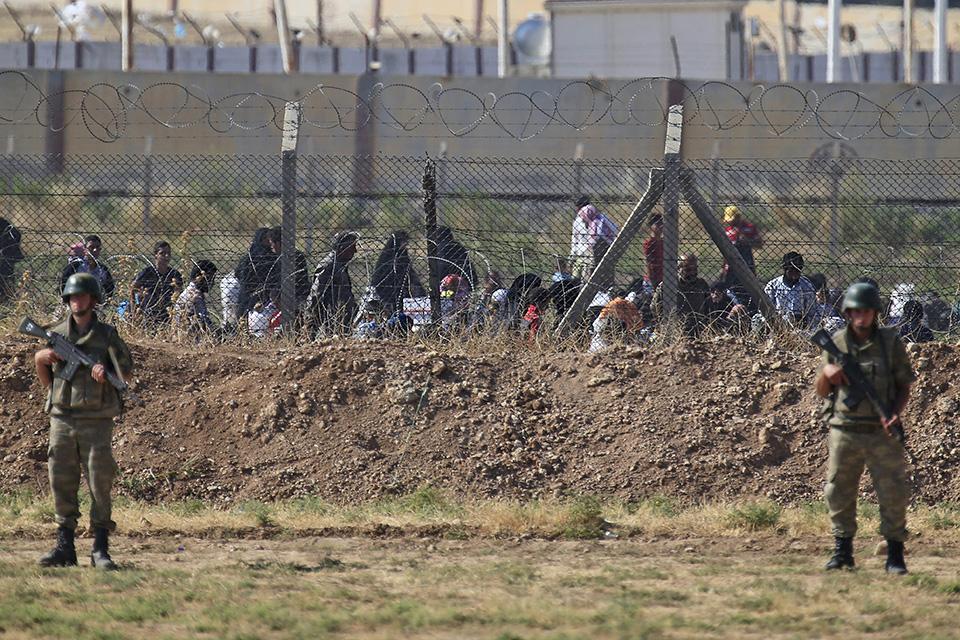menekültek (Array)
