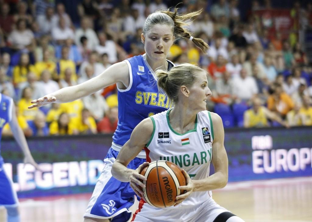 női kosárlabda válogatott (Array)
