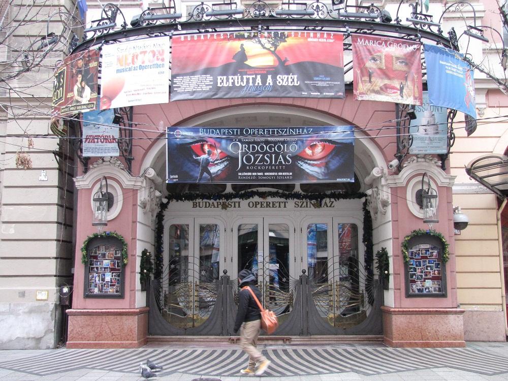 operettszínház (Array)