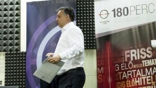 orbán a rádióban (Array)