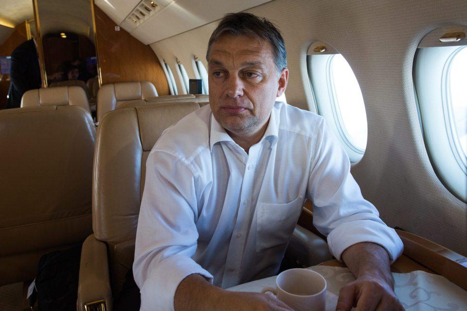 orbán utazik (Array)