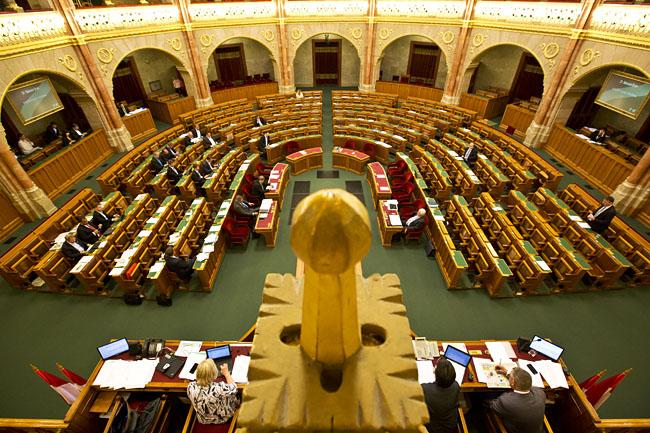 parlament (Array)