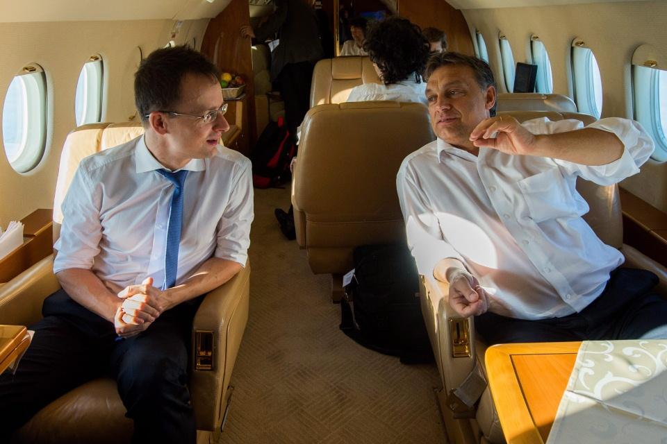 repülő politikusok (Array)