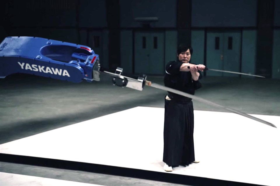 szamuraj-vs-robot(960x640).jpg (Array)