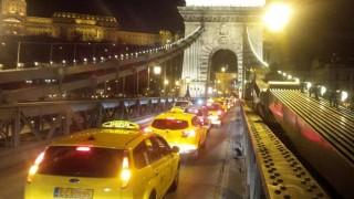 taxistüntetés (Array)