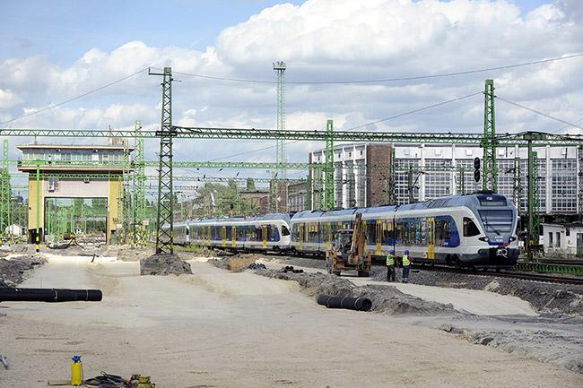 vonat, vasút, Székesfehérvár, MÁV (Array)