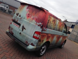 Álrozsdás autó (Array)