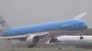 Boeing-777-landolas(430x286).jpg (Array)