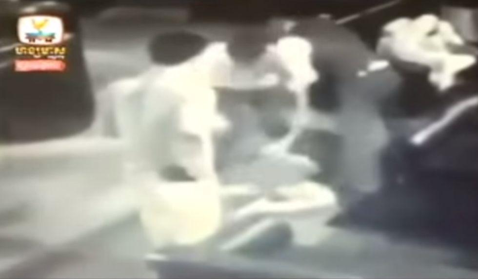 Kambodzsai verekedés (Array)