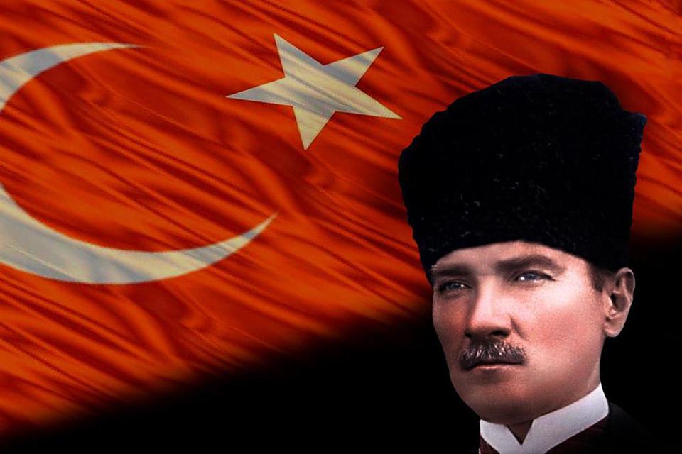 Kemál Atatürtk (Array)