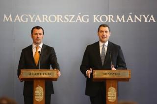 Lázár János, Giró-Szász András sajtótájékoztató (Array)