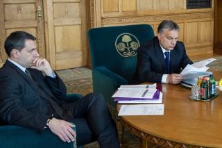 Lázár János és Orbán Viktor (Array)