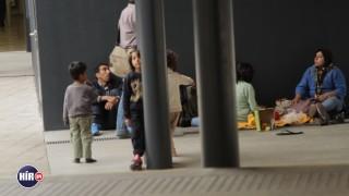 Menekültek a pályaudvaron (Array)