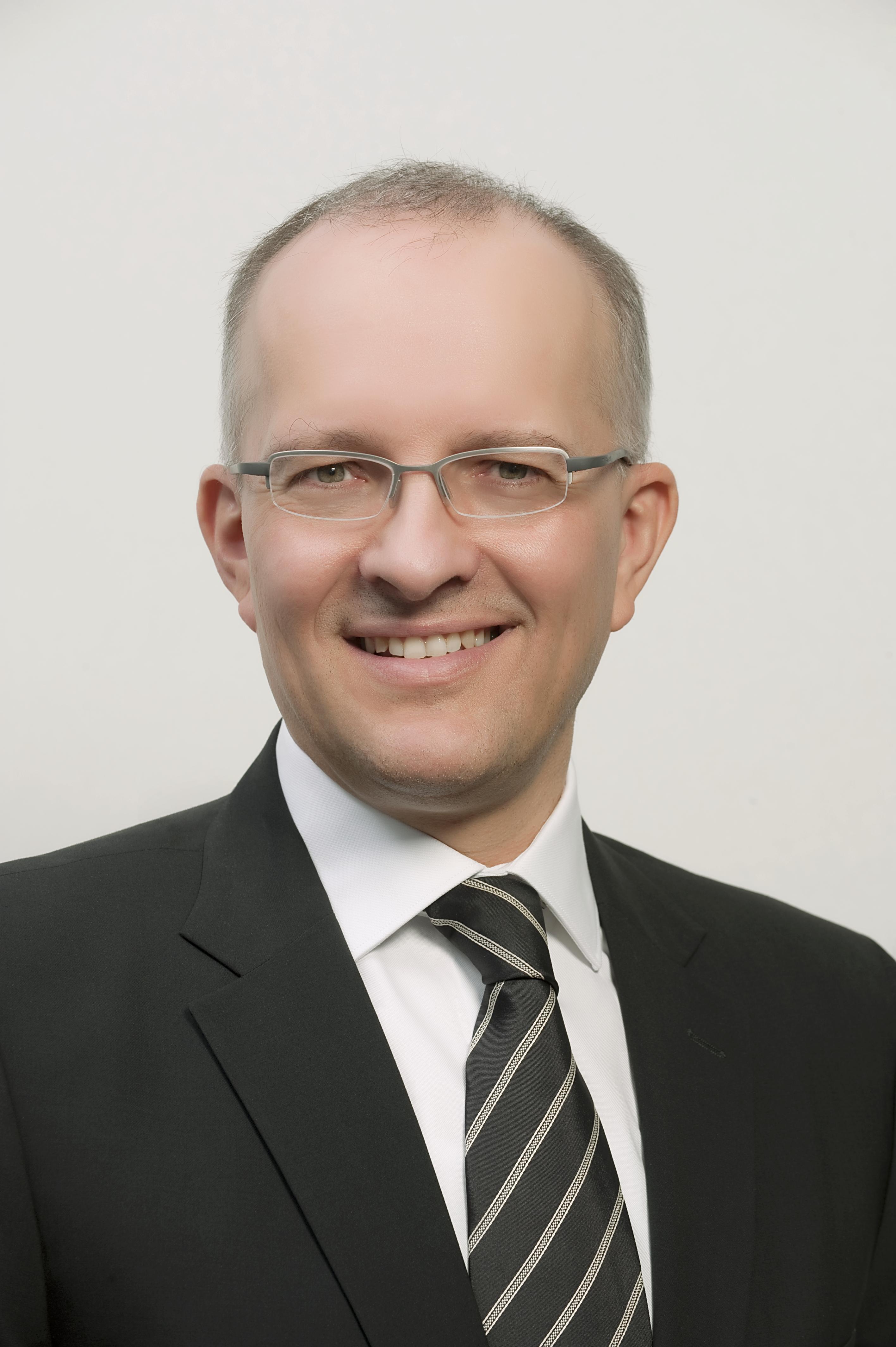Peter Stracar (Array)