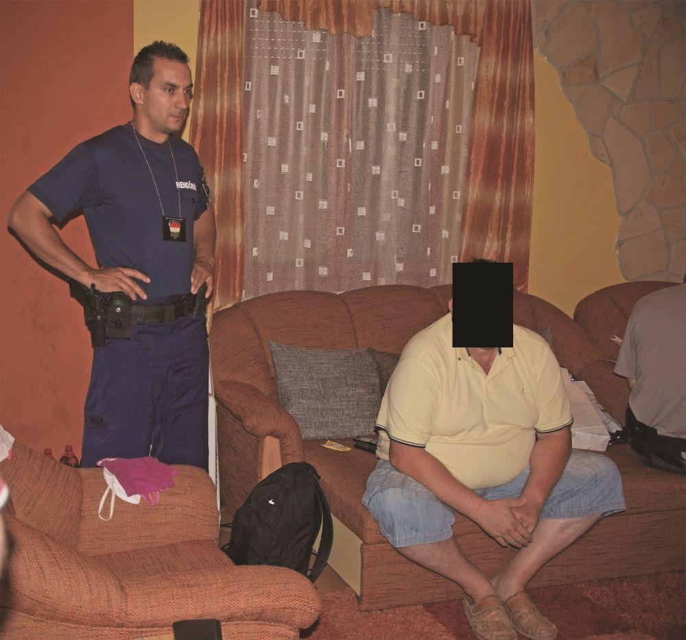 Prostituált-kereskedő (Array)