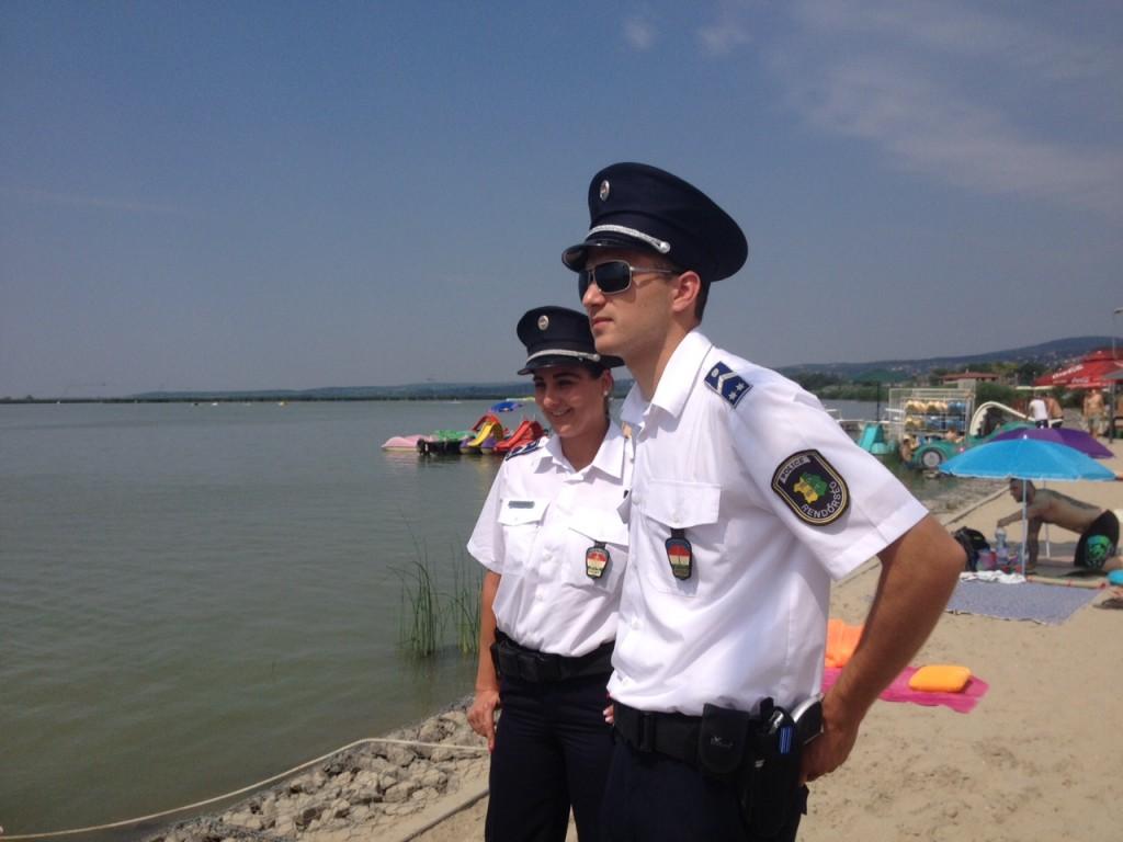 Rendőrök (Array)