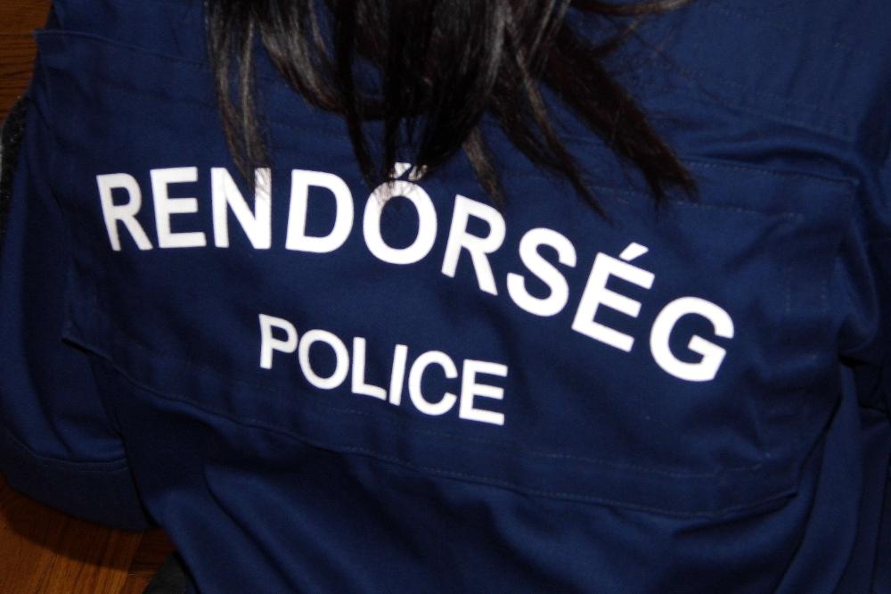 Rendőrség (Array)