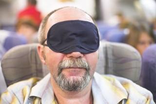 Repülőn alvás (Array)