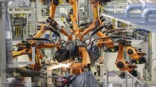 Robot a Volkswagen-gyárban (Array)
