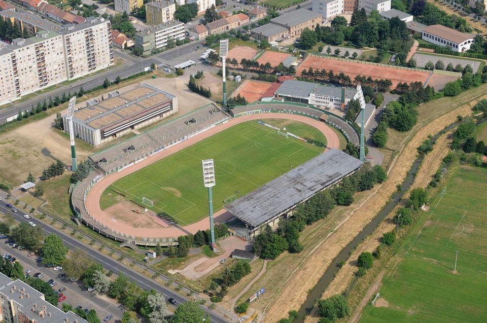 Rohonci úti stadion (Array)