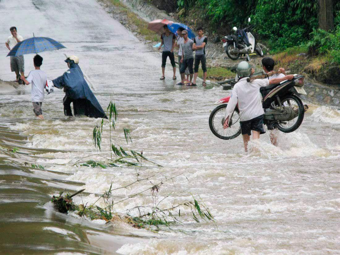 Tájfun Vietnamban (Array)