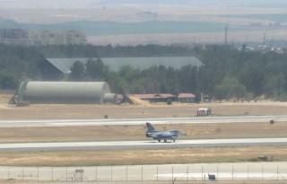 Török vadászgép (Array)