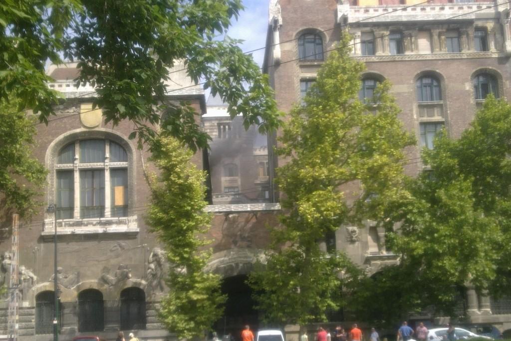 Tűz a Baross utcában (Array)