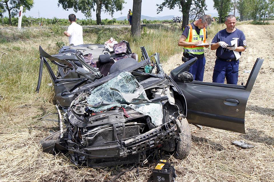 baleset, Bodrogolaszi, 37-es út (Array)