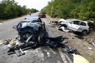 baleset, Tiszaföldvár, 37-es út (Array)