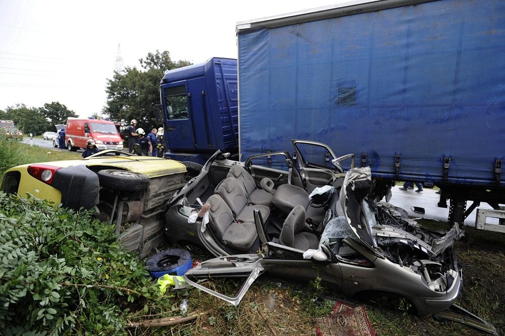 baleset az 51-esen (Array)