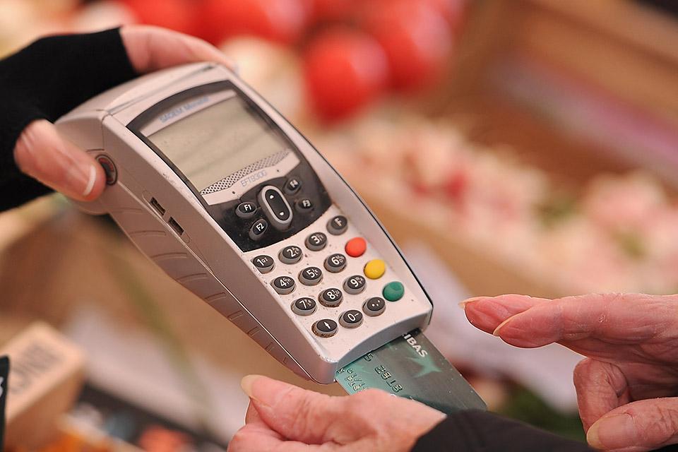 bankkártya (Array)