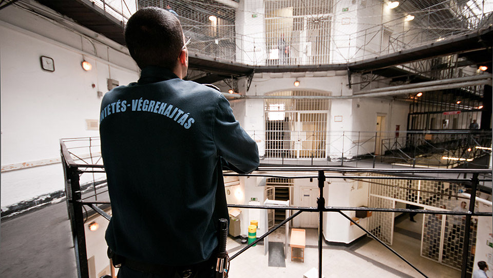 börtön (Array)