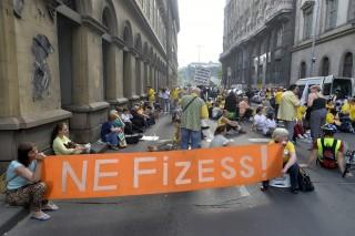 devizahiteles tüntetés (Array)