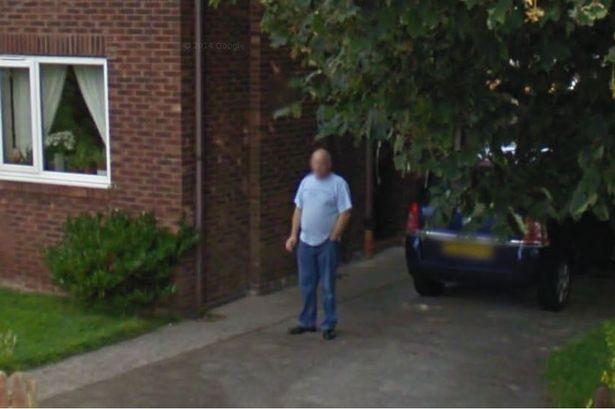 dohányzás google street view (Array)