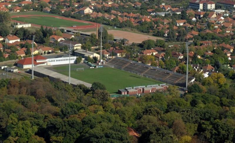 kórház utcai stadion (Array)