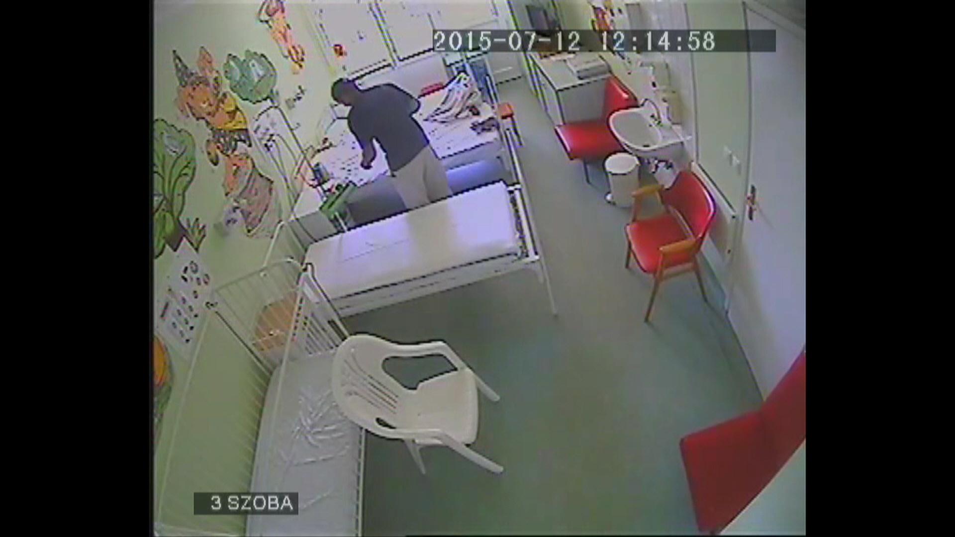 kórházi tolvaj (Array)