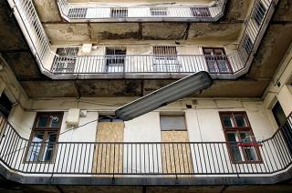 lakás (Array)