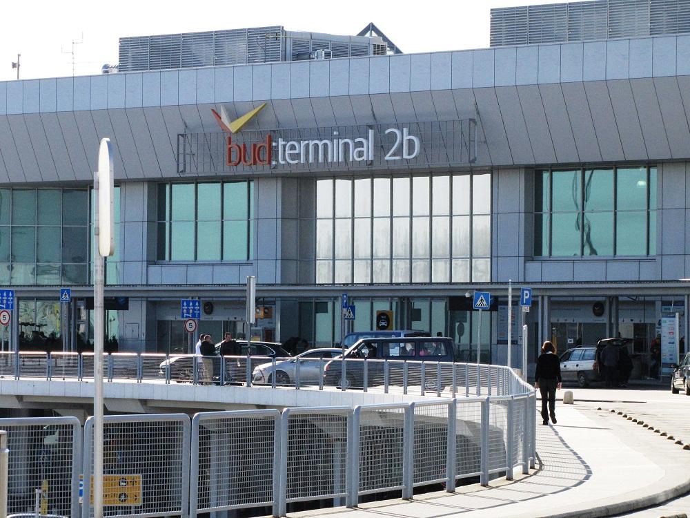 liszt ferenc reptér (Array)