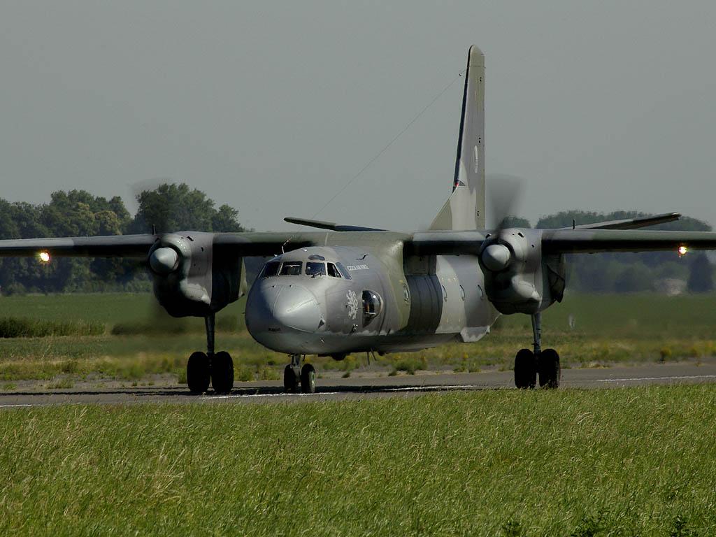magyar honvédéség repülő (Array)