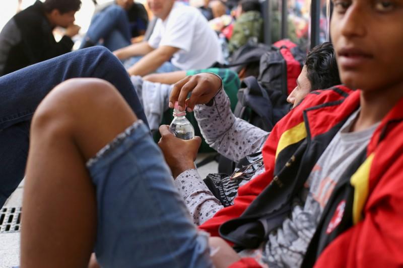 menekült, Keleti pályaudvar 22 (Array)