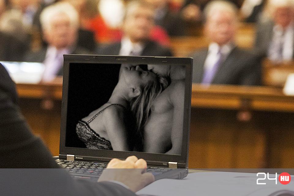 M pornó szex videó